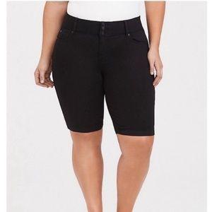 Torrid Black Jegging Bermuda Shorts